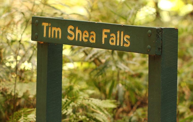 Tim Shea Falls sign-Lilibet Stanley